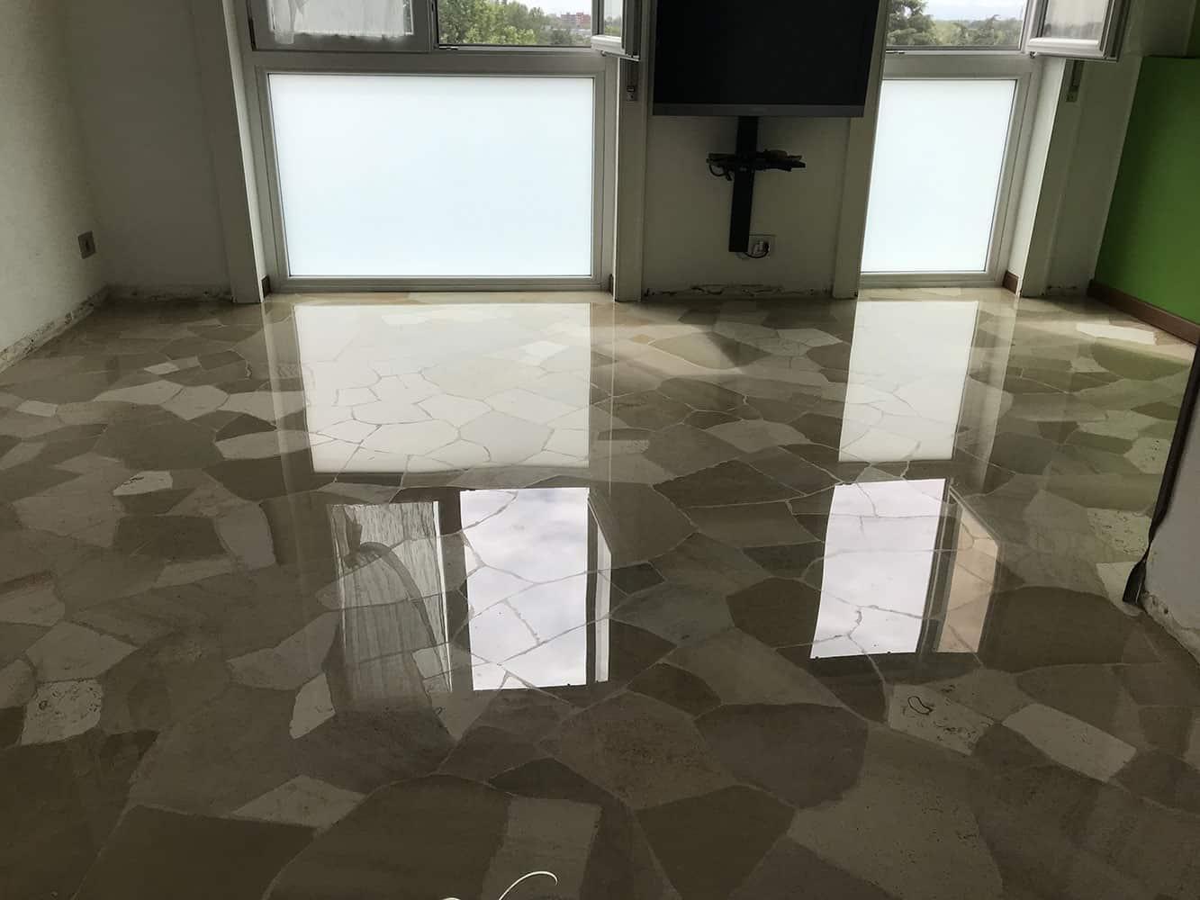 pavimento in marmo post lucidatura